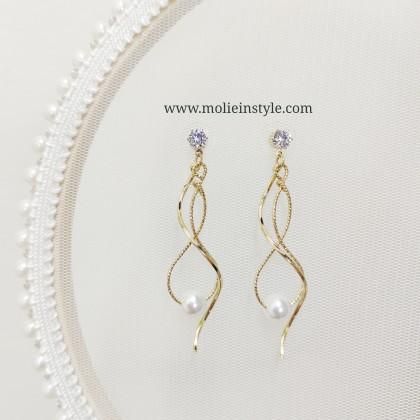 Avianna Night Pearl Earrings